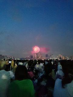 2015年の東京湾花火大会を芝浦ふ頭から